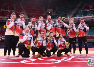 Eduard Trippel holt mit Mixed Team Bronze bei Olympia